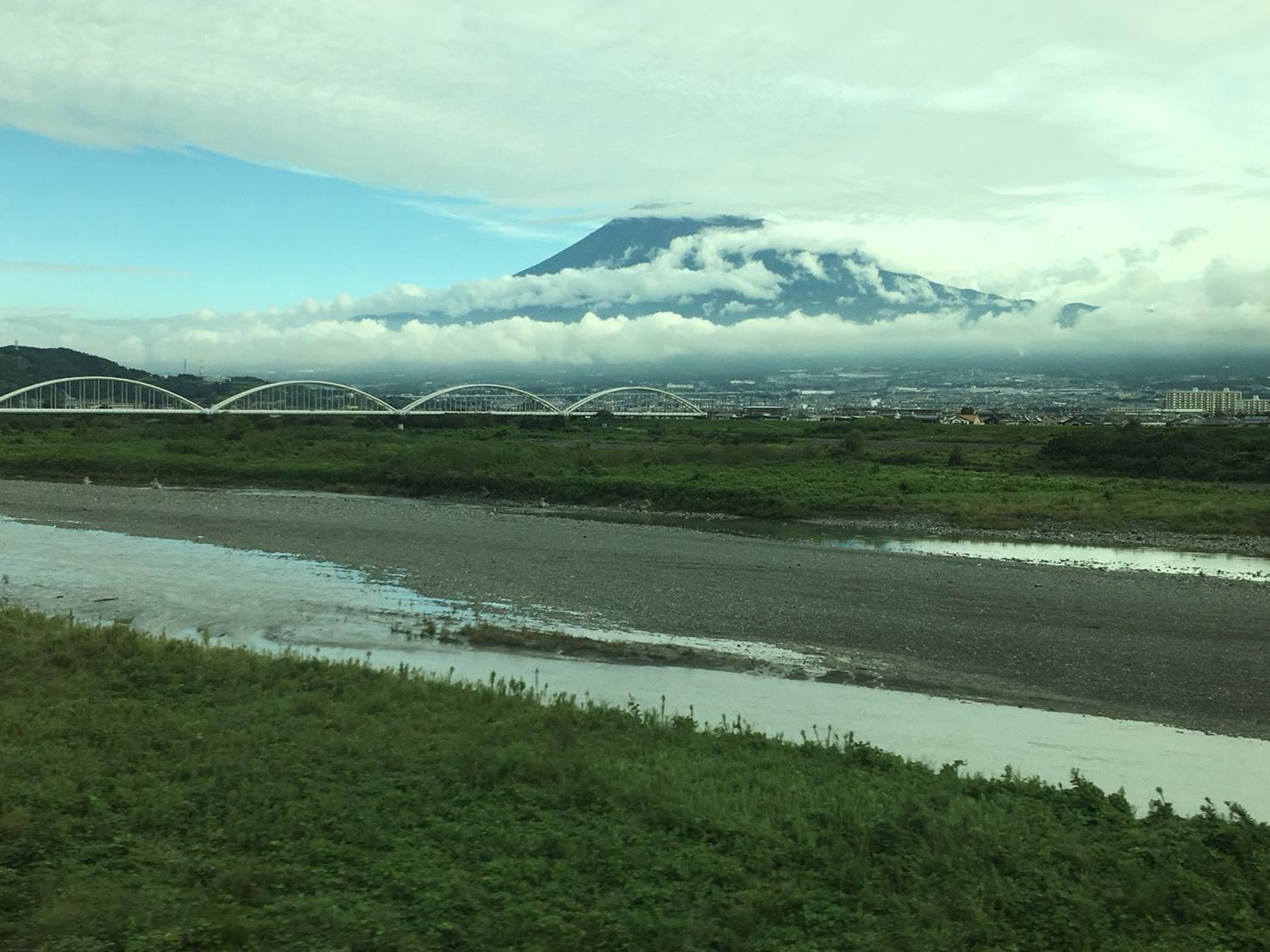 富士山ビューシリーズ  2018/9/26   今朝の新幹線からの富士山_b0011584_12222908.jpg