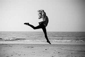 ダンスを踊って自分を思いっきり表現しよう!_b0179402_11294104.jpg