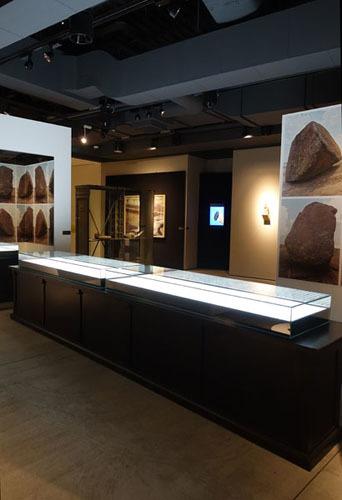 特別展示「石の想像界」_b0164803_14474987.jpg