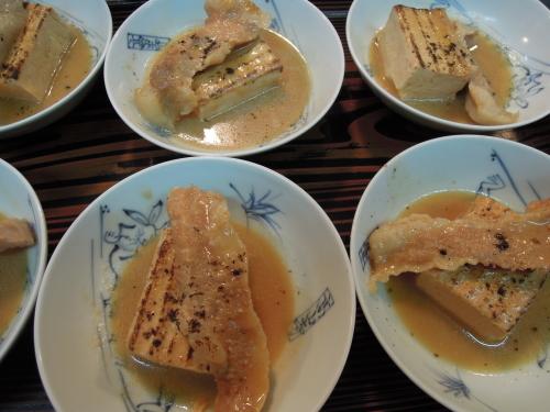 焼き豆腐 豚トロ 味噌煮 黑七味_e0116211_13253633.jpg