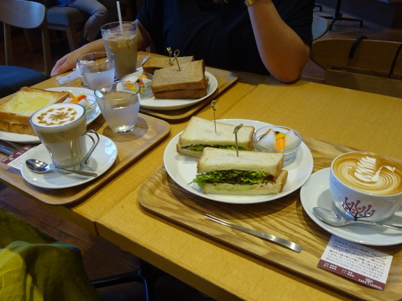 CAFE LEXCELさんでサンドイッチランチ_e0230011_17055318.jpg