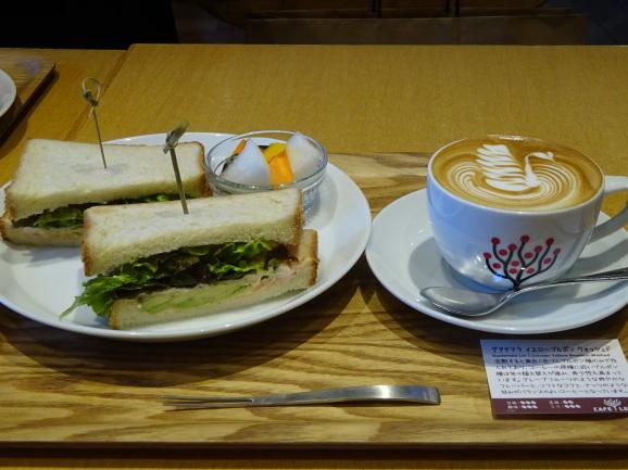 CAFE LEXCELさんでサンドイッチランチ_e0230011_17071846.jpg