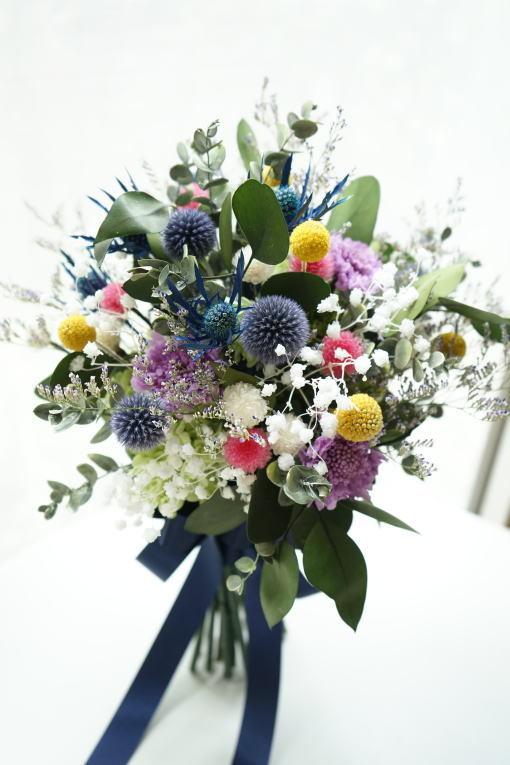 #小花を束ねたクラッチブーケ!_a0136507_21301293.jpg