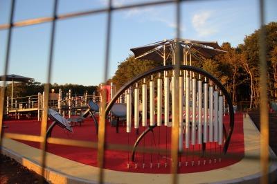 ビクトリア・パークの遊び場_c0353373_03302852.jpg