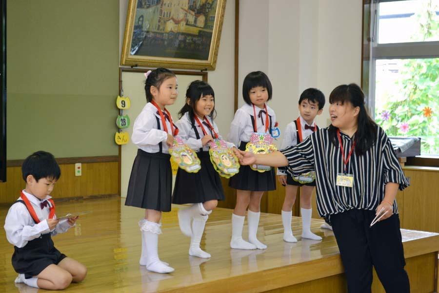 第二幼稚園 8月・9月生れのお誕生会でした_d0353789_16154803.jpg