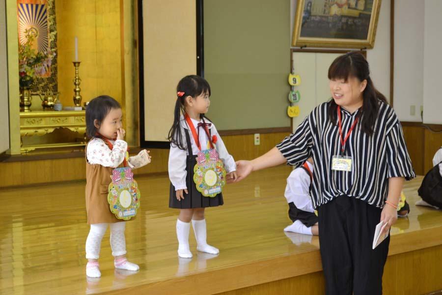 第二幼稚園 8月・9月生れのお誕生会でした_d0353789_16155563.jpg