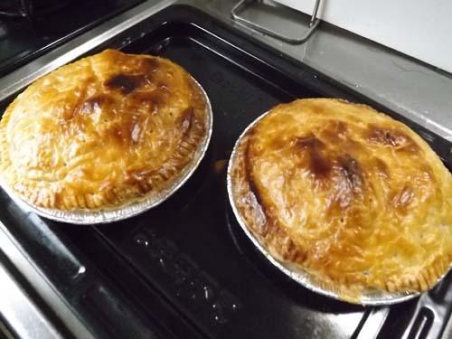 この秋初めてのアップルパイを焼いた_f0019498_14285140.jpg