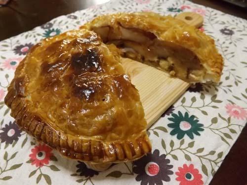 この秋初めてのアップルパイを焼いた_f0019498_14291010.jpg