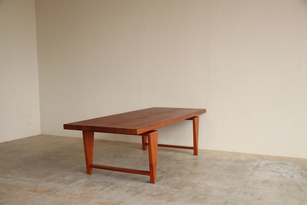 『Illum Wikkelso Teak Solid Coffee Table』_c0211307_16393908.jpg