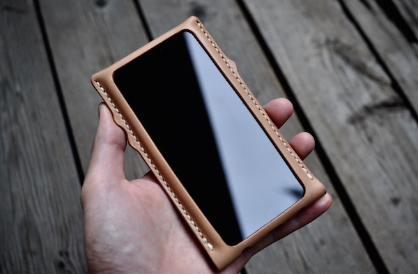 iphone Xs leather case _b0172633_20242862.jpg