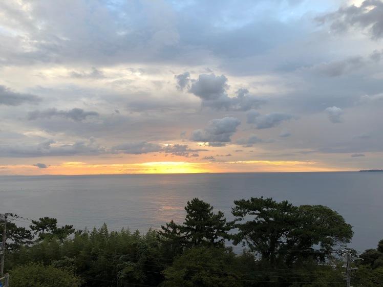 光たち。~ちっちゃな虹、朝の光、雲に映った淡い光のエネルギー~_b0298740_18581656.jpg