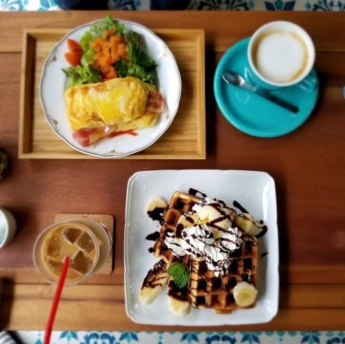 Cafe chacha BOSSA * キッチュでレトロな民家カフェでほっこり♪_f0236260_03183746.jpg