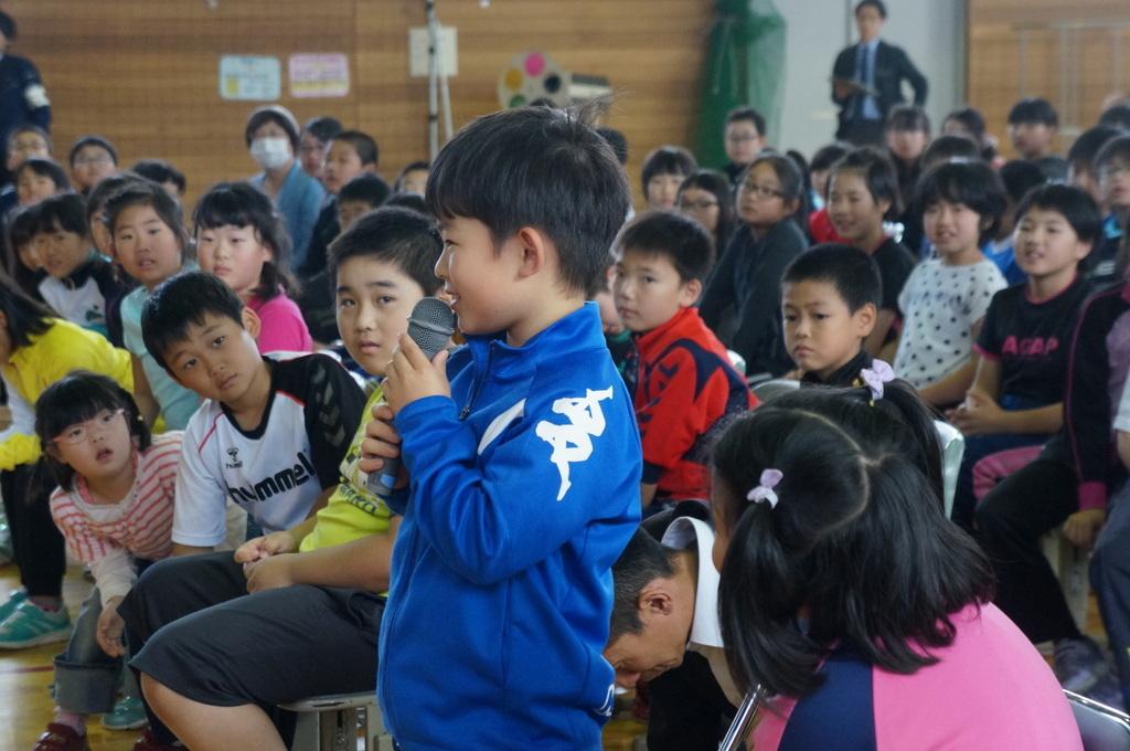 鶴居小学校で特別授業、素晴らしく出来上がったステージでリハ、そして夜は湖カヌー。_c0180686_01301155.jpg