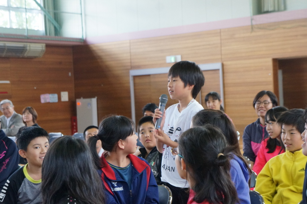 鶴居小学校で特別授業、素晴らしく出来上がったステージでリハ、そして夜は湖カヌー。_c0180686_01302629.jpg