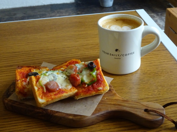 YOUR DAILY COFFEEさんでランチ_e0230011_16152560.jpg