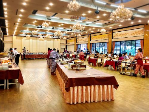 琵琶湖グランドホテル_e0292546_23551131.jpg