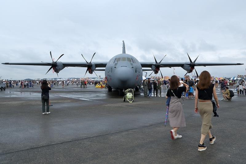 横田基地の日米友好祭、その楽しそうな会場から         飛行機を中心にお届けします。_b0291402_04562413.jpg