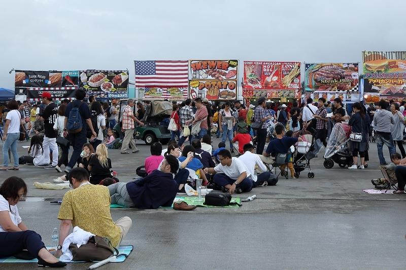 横田基地の日米友好祭、その楽しそうな会場から         飛行機を中心にお届けします。_b0291402_04563246.jpg