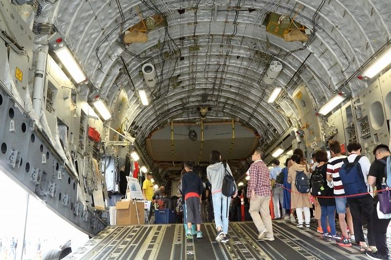 横田基地の日米友好祭、その楽しそうな会場から         飛行機を中心にお届けします。_b0291402_04580212.jpg
