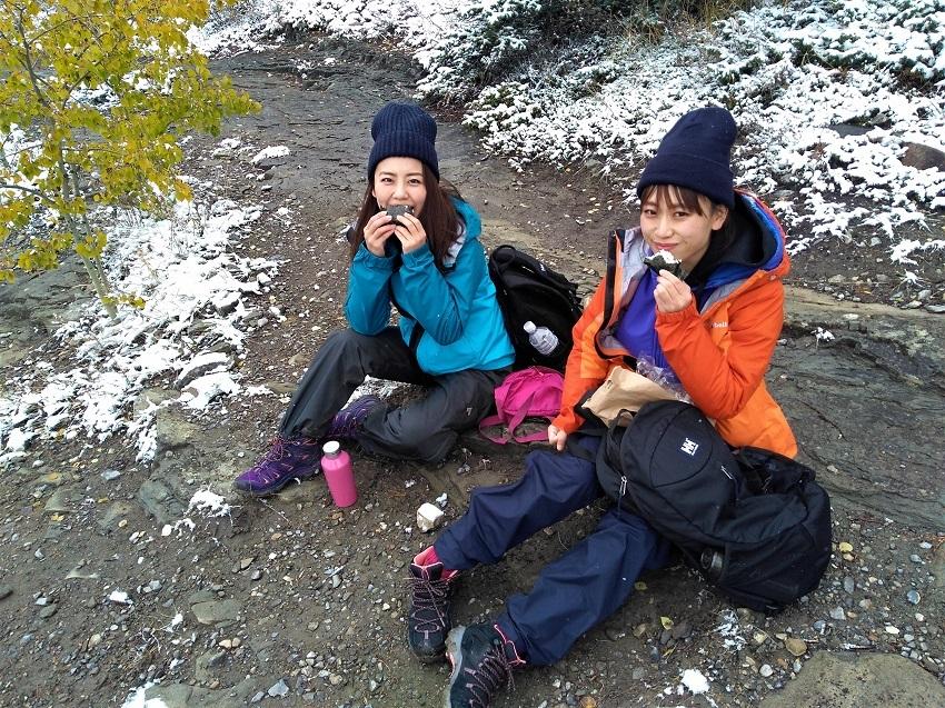 雪の黄葉 満喫ハイキング_d0112928_01503290.jpg