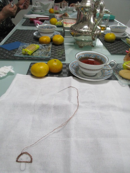 台風の備え&刺繍サロン_a0279743_09373733.jpg