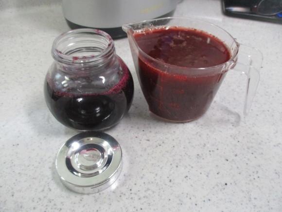 葡萄の収穫&トマトソース作り_a0279743_10371569.jpg