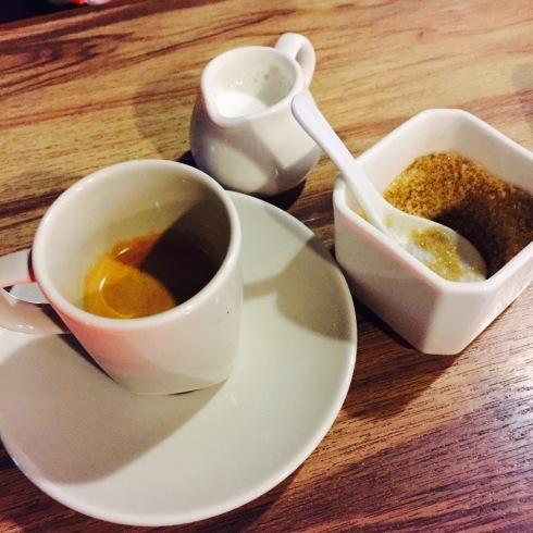台北旅行 19 夜カフェも楽しい台北♪「沐樂咖啡 新生店」_f0054260_04371086.jpg