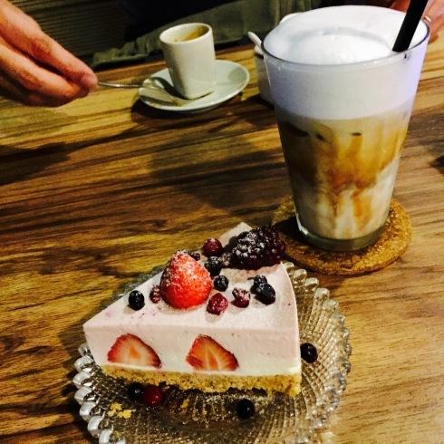 台北旅行 19 夜カフェも楽しい台北♪「沐樂咖啡 新生店」_f0054260_04382972.jpg