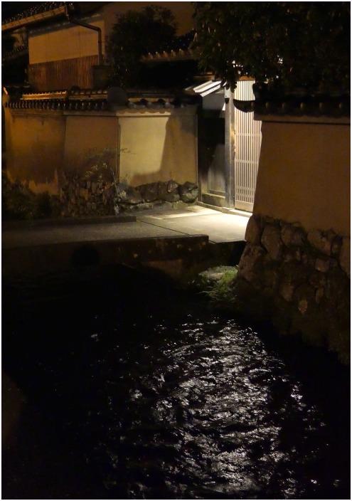 < 夜景・上賀茂神社界隈 >_c0036080_18373936.jpg