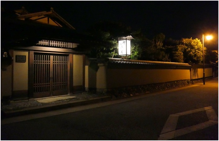 < 夜景・上賀茂神社界隈 >_c0036080_18380774.jpg