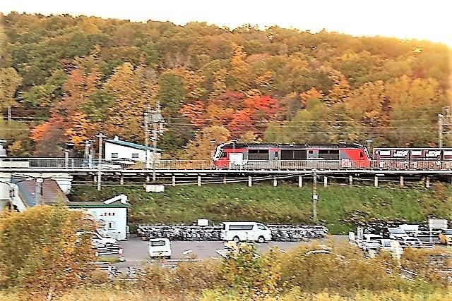 藤田八束の鉄道写真@今年出会った素敵な鉄道写真、貨物列車の写真を紹介・・・貨物列車、リゾート列車、四季島など_d0181492_22183273.jpg