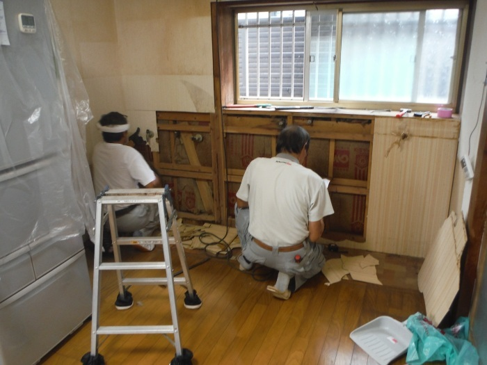 ご家庭に合ったキッチン~古いキッチン取外し_d0165368_05134991.jpg