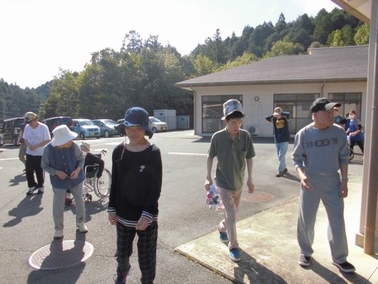 10/2 朝の散歩_a0154110_08523463.jpg