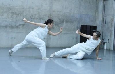 「ダンスブリッジ」近藤良平版公演、今週末に迫る_d0178431_22410707.jpg