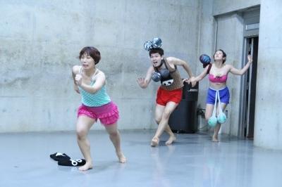 「ダンスブリッジ」近藤良平版公演、今週末に迫る_d0178431_22440350.jpg