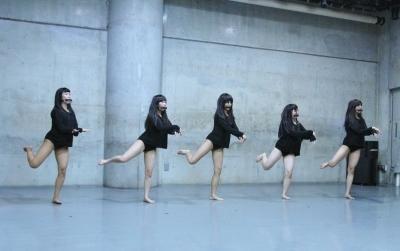 「ダンスブリッジ」近藤良平版公演、今週末に迫る_d0178431_22455243.jpg