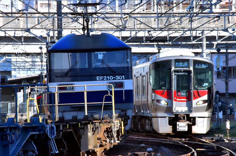 広島地区山陽本線(2) 貨物列車の状況_a0251146_02260606.jpg