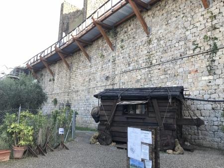 久々にモンテリッジョーニの城壁に上る_a0136671_03114944.jpeg