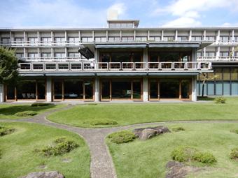 国際文化会館の建築_c0195909_10321094.jpg
