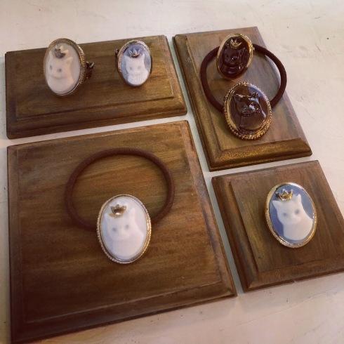 ふしぎかわいいものたち展part2出品作品〜陶器のアクセサリー〜_a0137727_12043299.jpeg