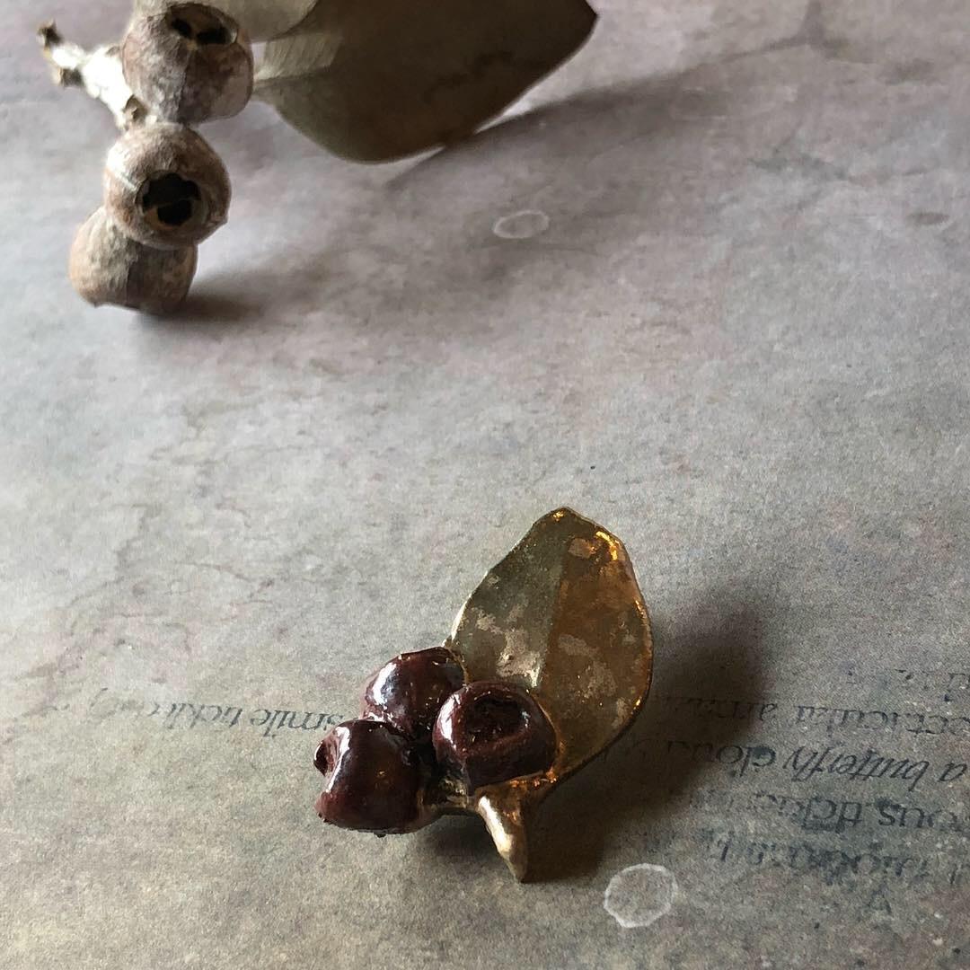 ふしぎかわいいものたち展part2出品作品〜陶器のアクセサリー〜_a0137727_12131279.jpeg