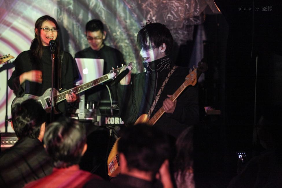 『ウクバールの四重奏』渋谷LOFT HEAVENにて_e0084214_16333593.jpg