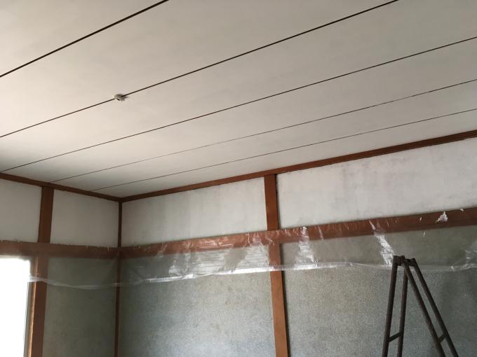 娘の部屋その3。さあ壁をどうする。_f0182246_22345857.jpg