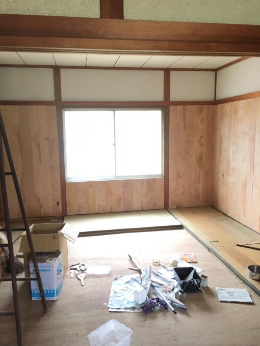 娘の部屋その3。さあ壁をどうする。_f0182246_22362254.jpg