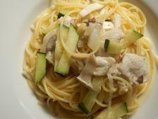 10/10本日パスタ:鶏胸肉とマッシュルームのレモンクリーム・スパゲティ_a0116684_11385106.jpg