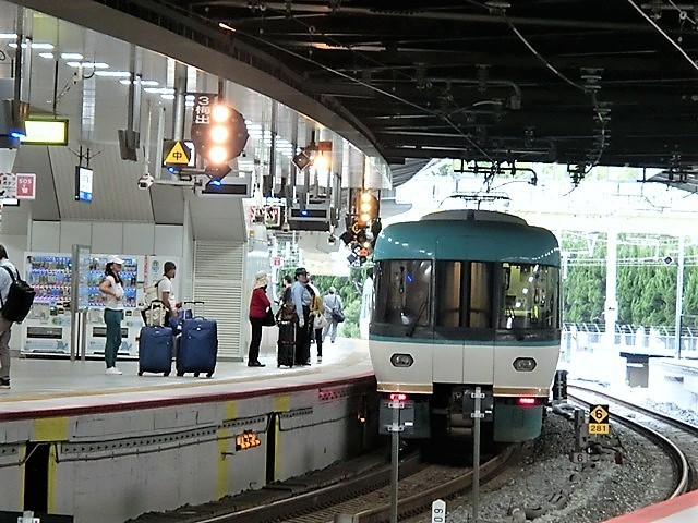 藤田八束の鉄道写真@今年出会った素敵な鉄道写真、貨物列車の写真を紹介・・・貨物列車、リゾート列車、四季島など_d0181492_20493914.jpg
