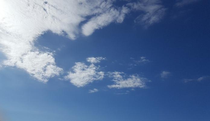 秋の空_f0126121_8575355.jpg