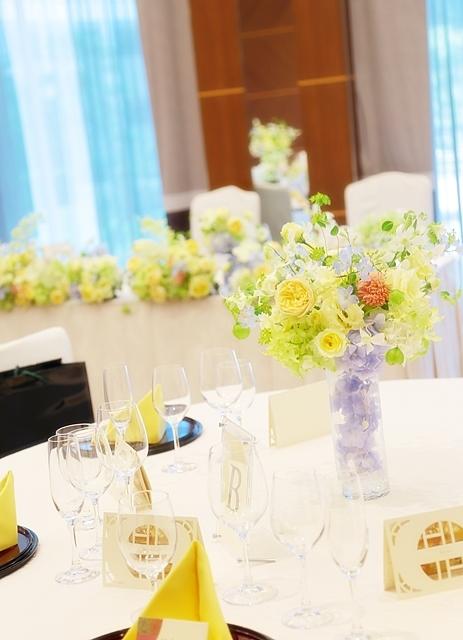 秋の装花 ホテルニューオータニ様へ 水色と黄色と、ふうせんかずらの無重力_a0042928_15104256.jpg
