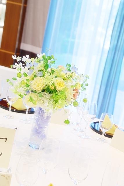 秋の装花 ホテルニューオータニ様へ 水色と黄色と、ふうせんかずらの無重力_a0042928_15111583.jpg