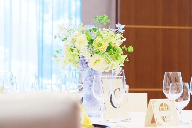 秋の装花 ホテルニューオータニ様へ 水色と黄色と、ふうせんかずらの無重力_a0042928_15124409.jpg